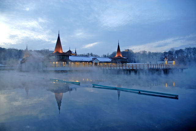 Hévíz spa in winter / © Hungarian National Tourist Office
