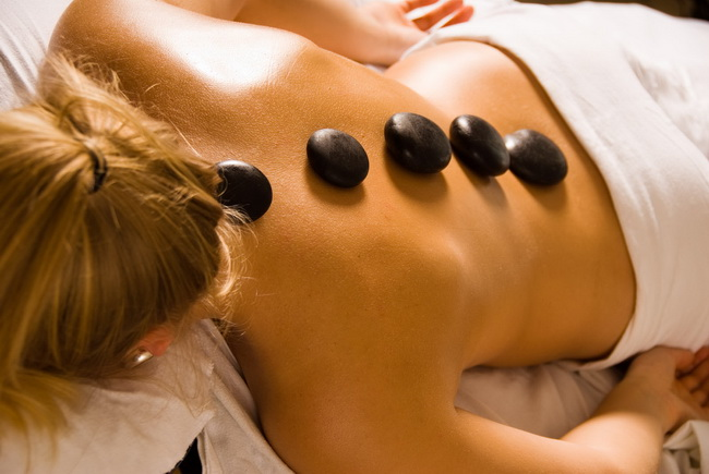 Lava stone massage / © Hungarian National Tourist Office