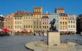 Market square in Warsaw with the statue called Syrenka / © Polish Tourist Organisation